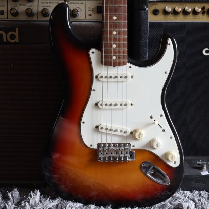 Fender Japan Re'62 Sunburst 1998 ( 3.5 Kg )